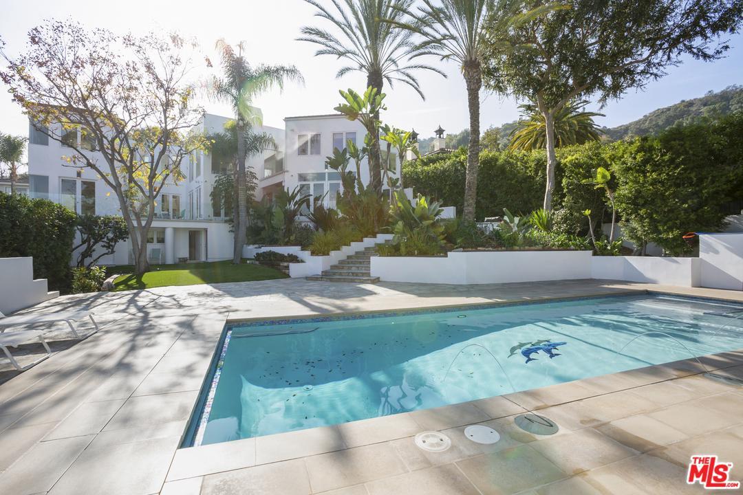 Photo of 7759 TORREYSON Drive, Hollywood Hills, CA 90046