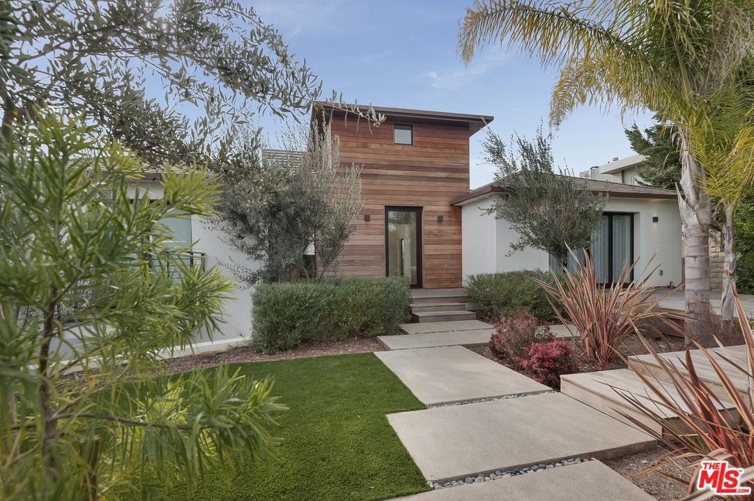 Photo of 902 BERKELEY Street, Santa Monica, CA 90403