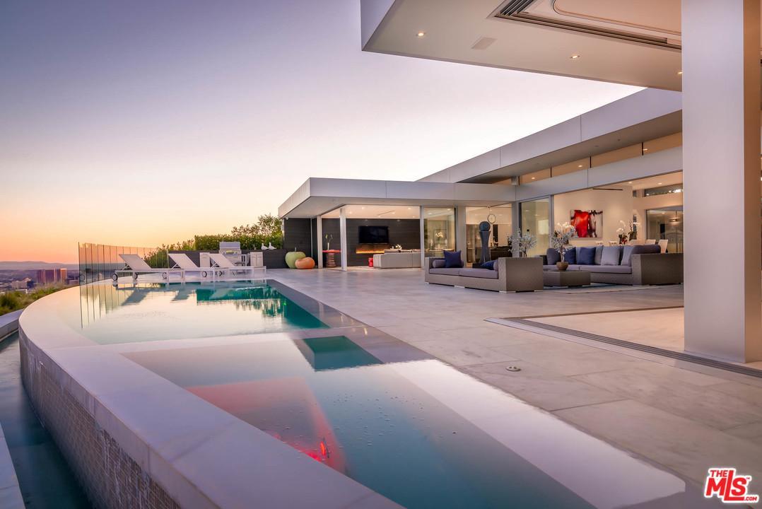 1620 CARLA - Beverly Hills, California