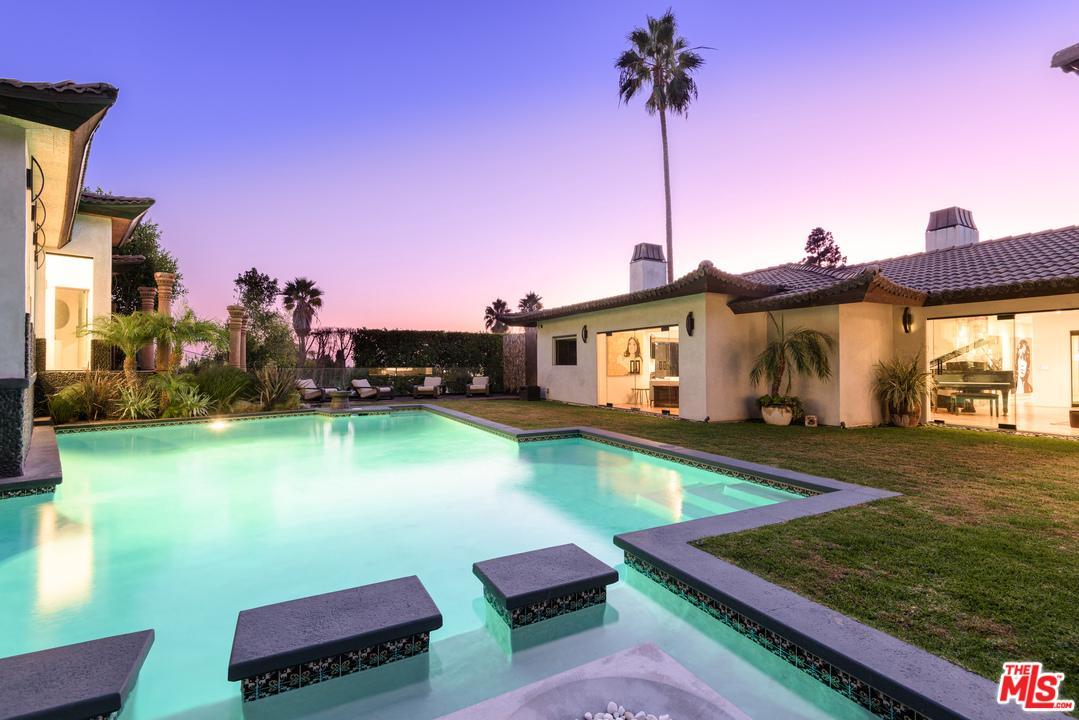 1240 LOMA VISTA Drive - Beverly Hills, California