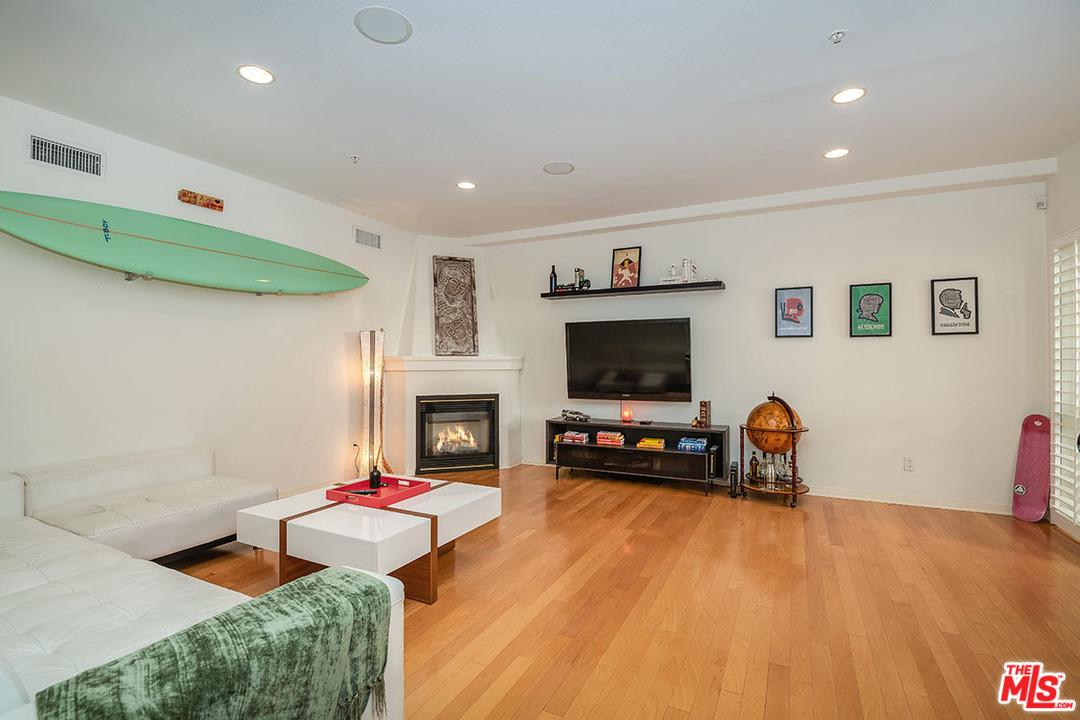 Photo of 851 North SAN VICENTE #132, West Hollywood, CA 90069