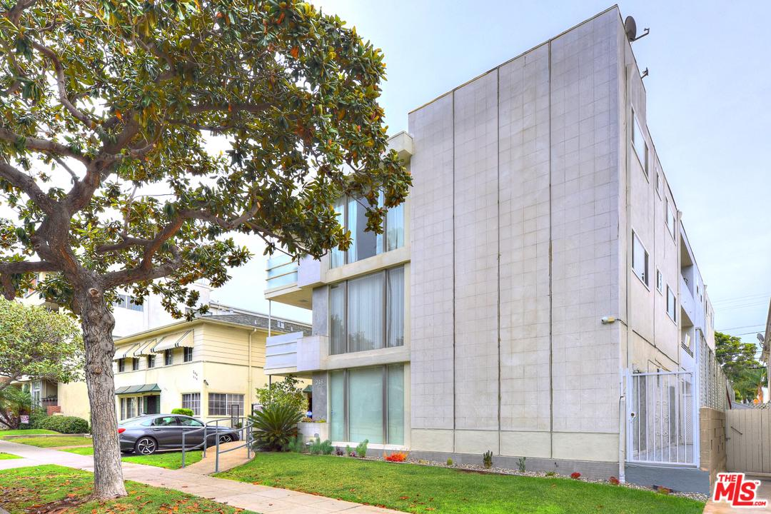 Photo of 248 South DOHENY Drive #2, Beverly Hills, CA 90211