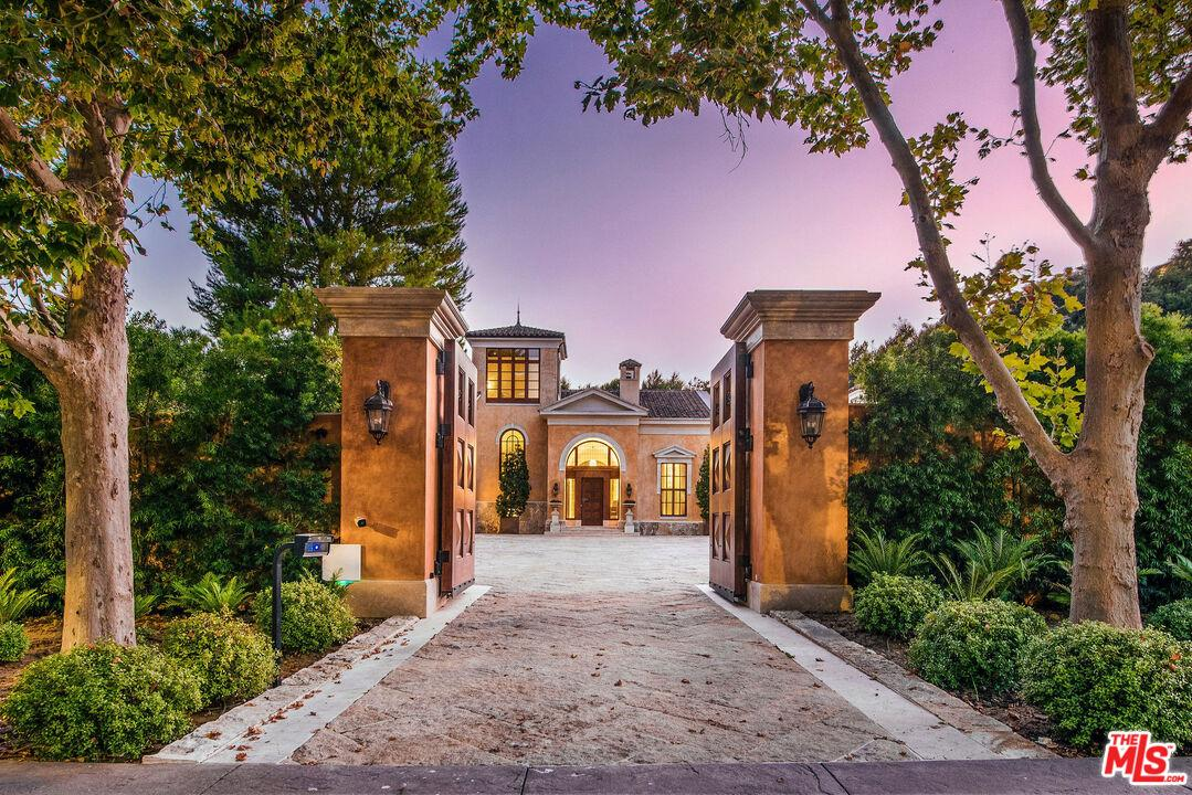 Photo of 60 BEVERLY Park, Beverly Hills, CA 90210