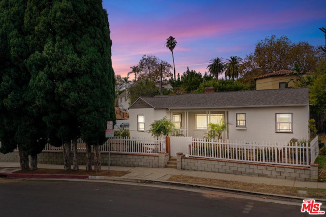 Photo of 10327 LAURISTON Avenue, Los Angeles, CA 90025