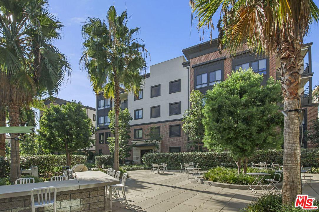 Photo of 12875 RUNWAY Road #4, Playa Vista, CA 90094