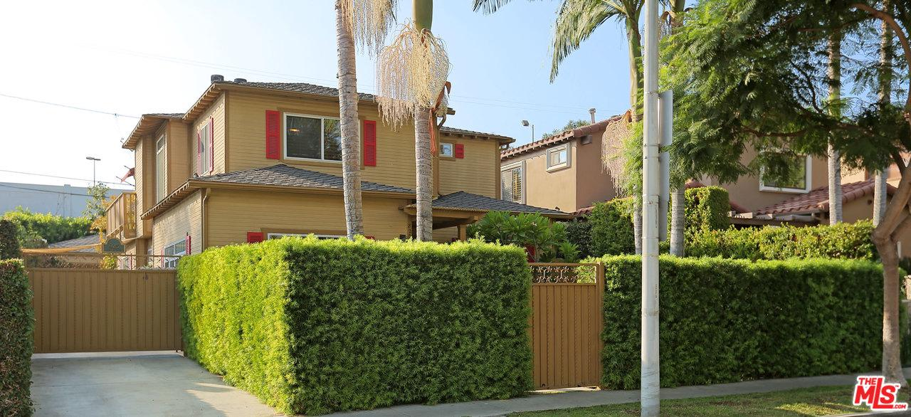 Photo of 825 HUNTLEY Drive, West Hollywood, CA 90069