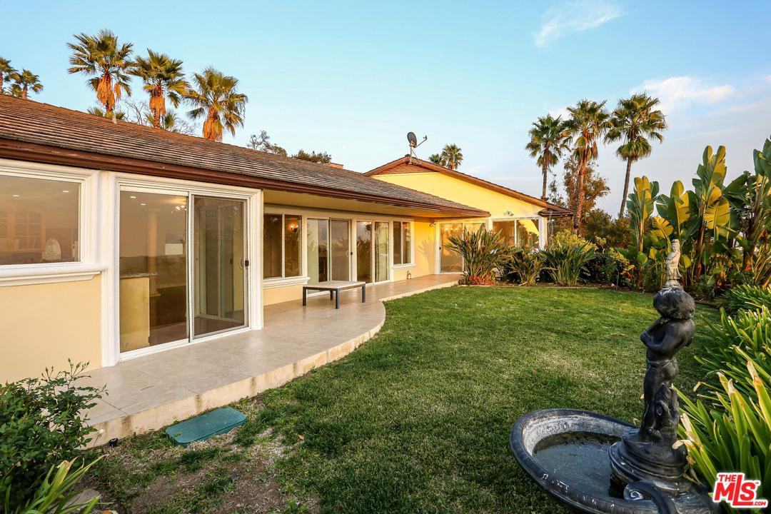 Photo of 2331 West ALLVIEW Terrace, Hollywood, CA 90068