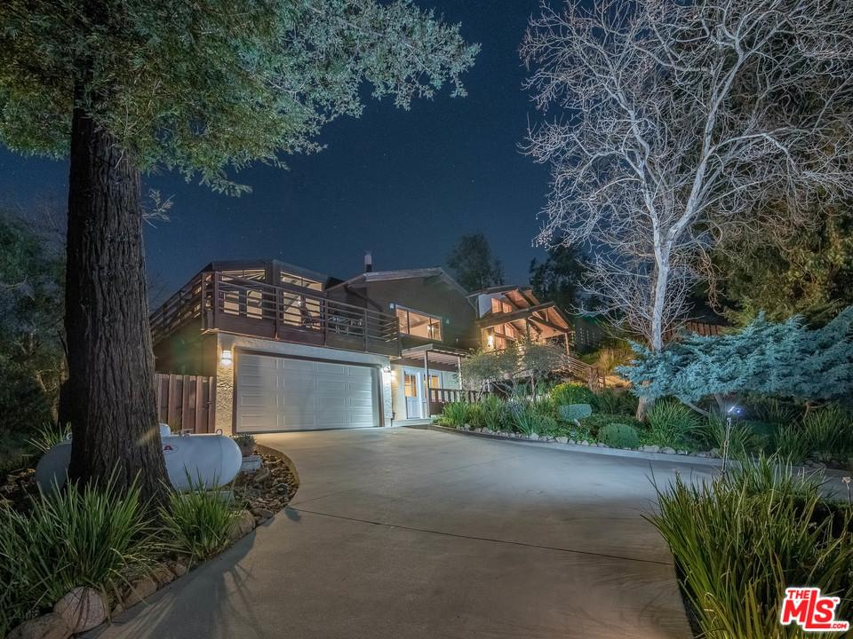 Photo of 21530 SADDLE PEAK Road, Topanga, CA 90290