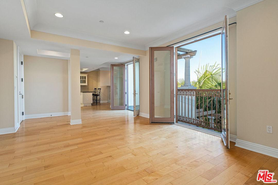 Photo of 261 South REEVES Drive #PH3, Beverly Hills, CA 90212