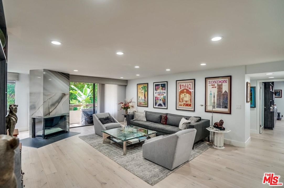 Photo of 851 North KINGS Road #211, West Hollywood, CA 90069
