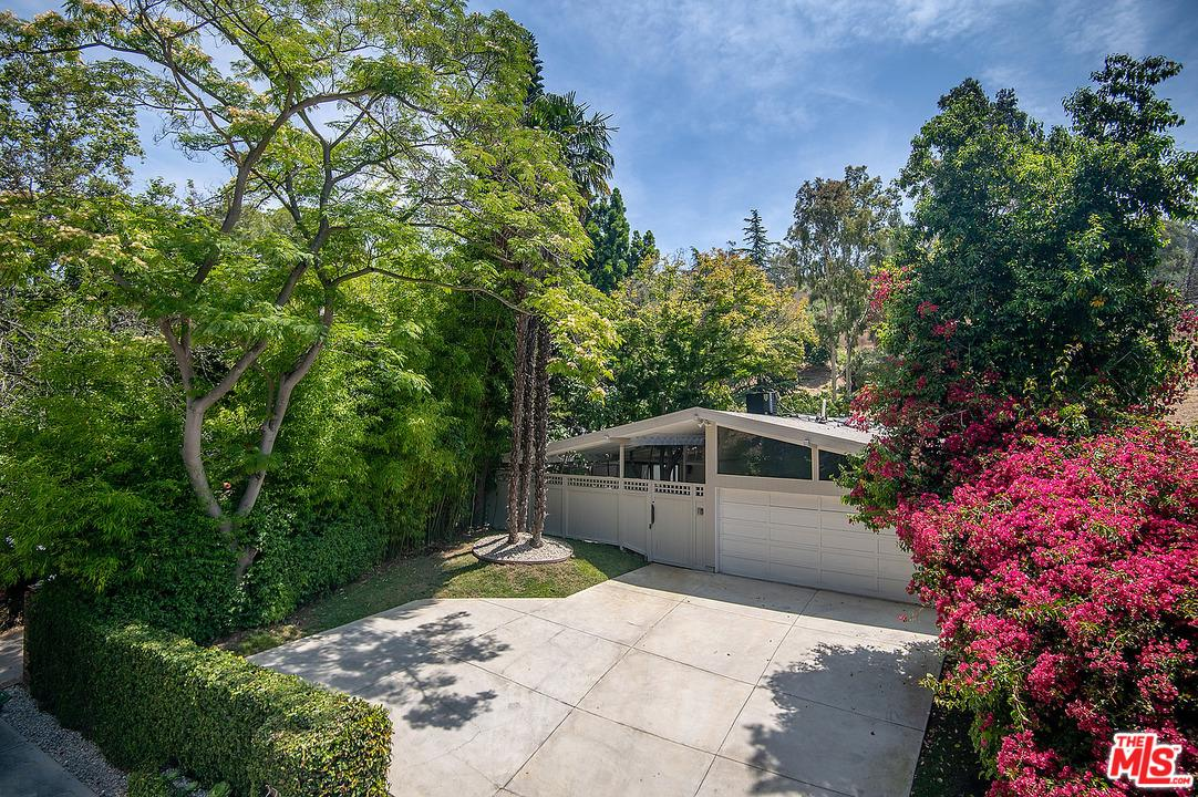 Photo of 2712 North BEVERLY GLEN, Los Angeles, CA 90077