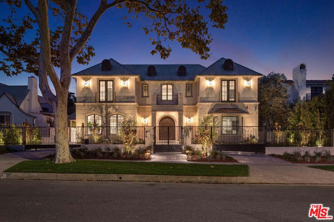 Photo of 604 WALDEN Drive, Beverly Hills, CA 90210