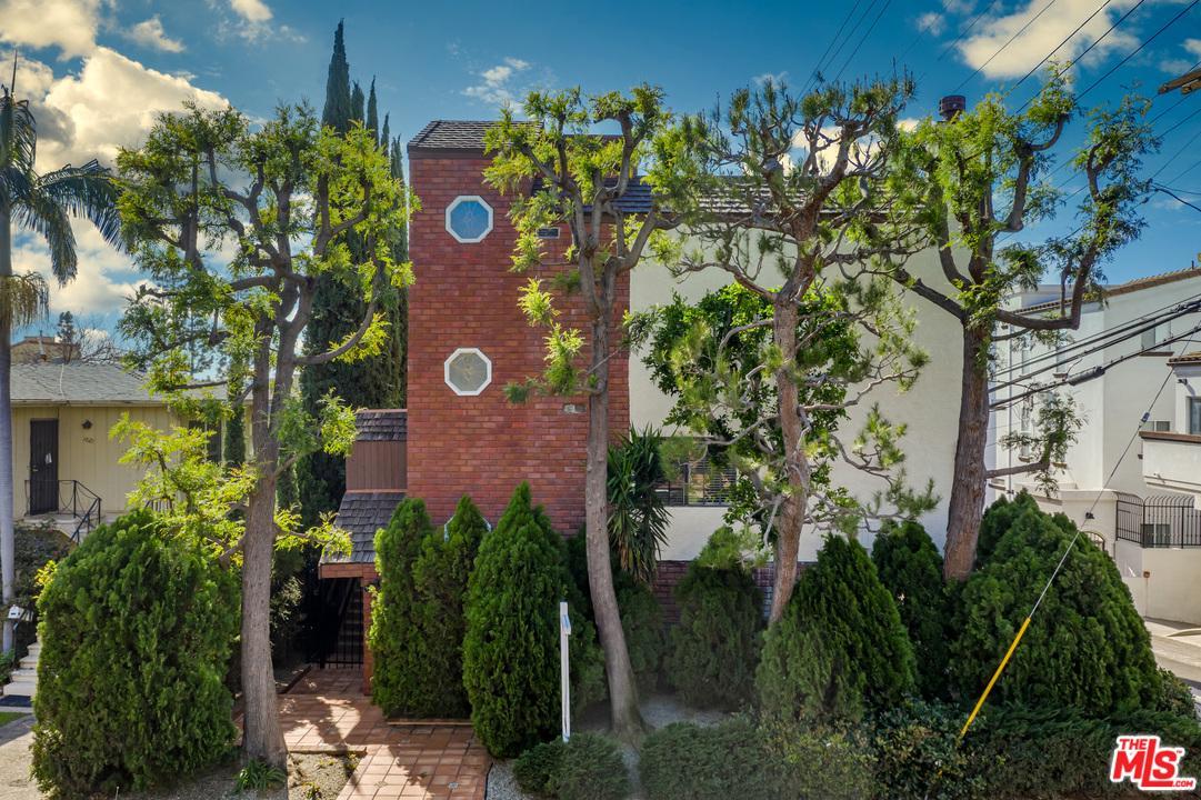 Photo of 1815 WESTHOLME Avenue #5, Los Angeles, CA 90025