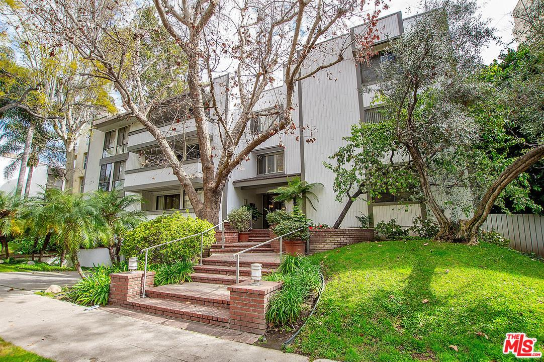 Photo of 406 North OAKHURST Drive #203, Beverly Hills, CA 90210