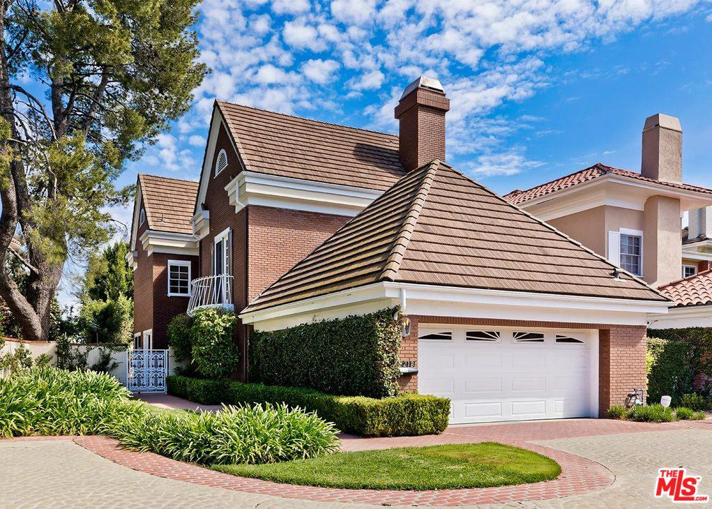 Photo of 2218 CANYONBACK Road, Los Angeles, CA 90049