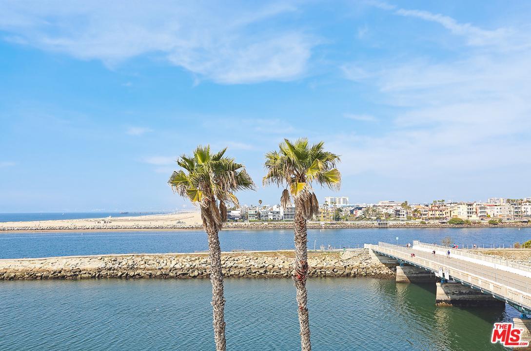Photo of 6209 PACIFIC Avenue #304, Playa Del Rey, CA 90293