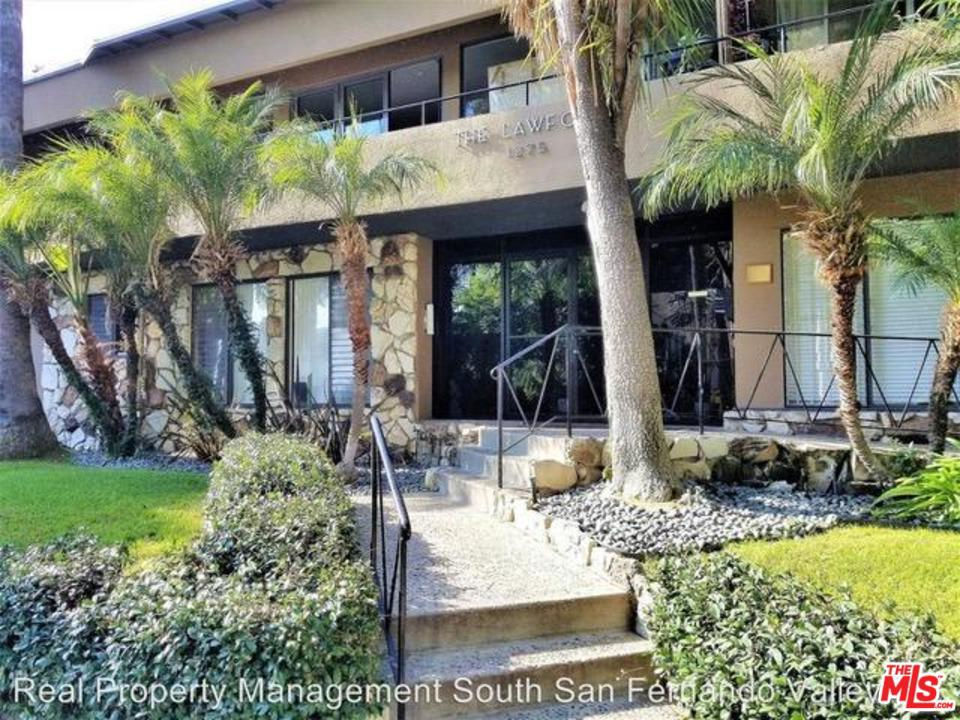Photo of 1275 HAVENHURST Drive #8, West Hollywood, CA 90046