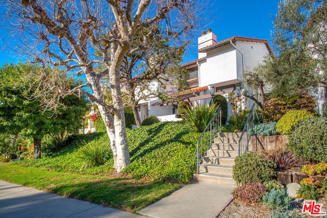 Photo of 1535 MICHAEL Lane, Pacific Palisades, CA 90272