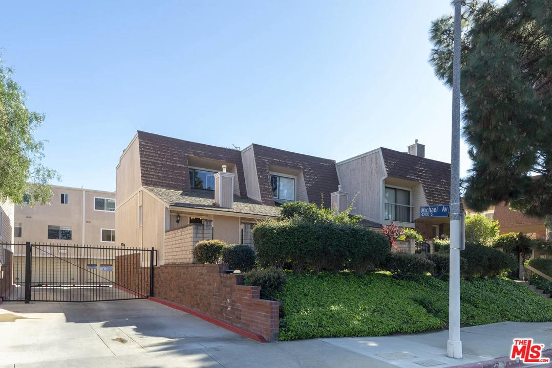 Photo of 13050 MAXELLA Avenue #1, Marina Del Rey, CA 90292
