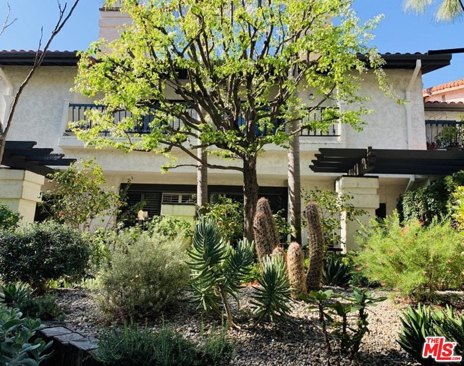 Photo of 17246 PALISADES Circle, Pacific Palisades, CA 90272