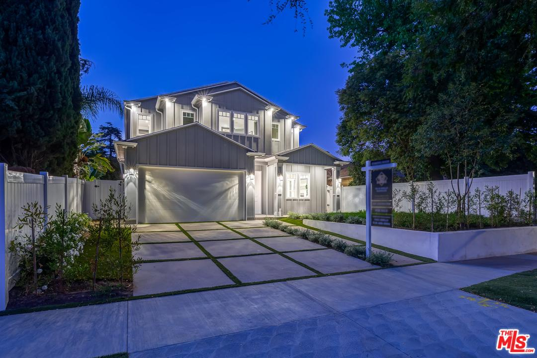 Photo of 12127 LAUREL TERRACE Drive, Studio City, CA 91604