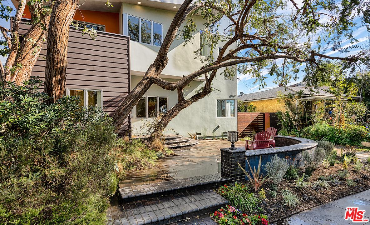 Photo of 11050 RHODA Way, Culver City, CA 90230