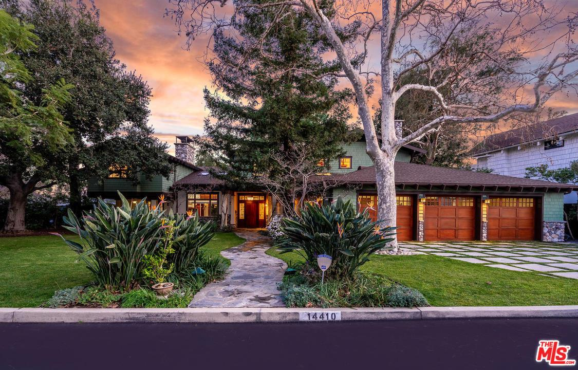 Photo of 14410 VILLA WOODS Place, Pacific Palisades, CA 90272