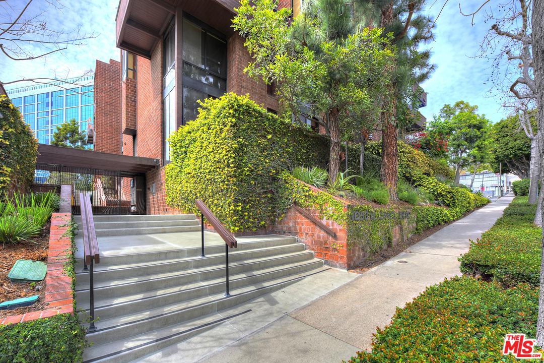 Photo of 1033 CAROL Drive #102, West Hollywood, CA 90069